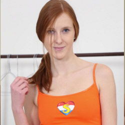 Seventeen Model Linda X
