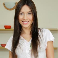 Seventeen Model Joana B