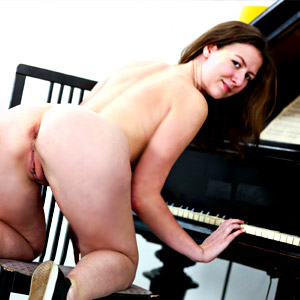 The naked piano player