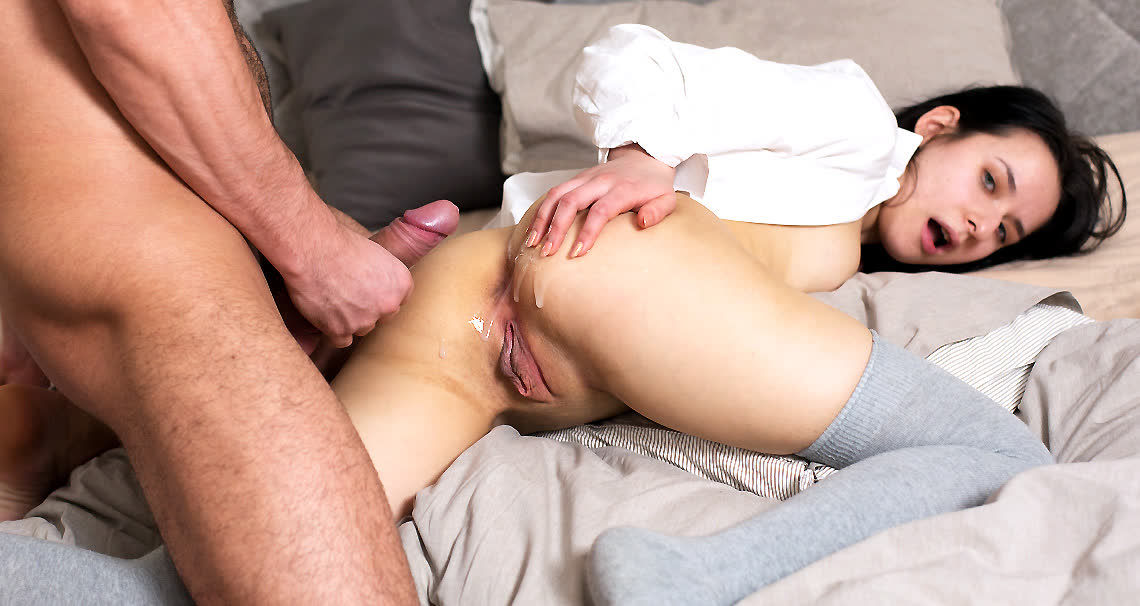Cumshot before breakfast