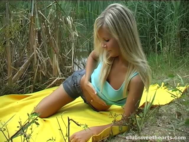 Zorah is seduced by a perverted older man - 1 2