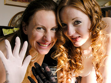 Zara & Lara's Spunk Covered Gloves