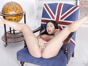 Jessica playing with her wet pussy and tight ass