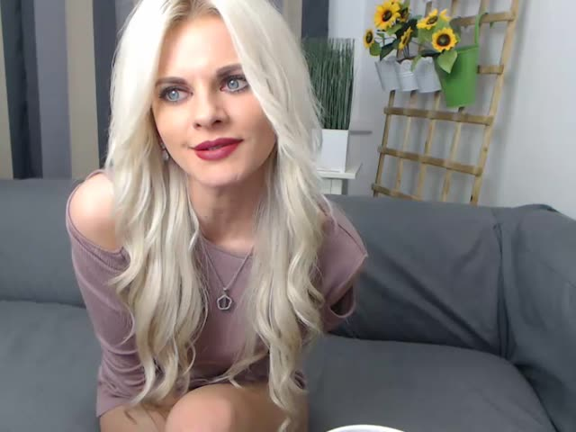 teen cam girl Aurellie